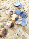 12 mother of pearl, blacklip shell pendant, round shape