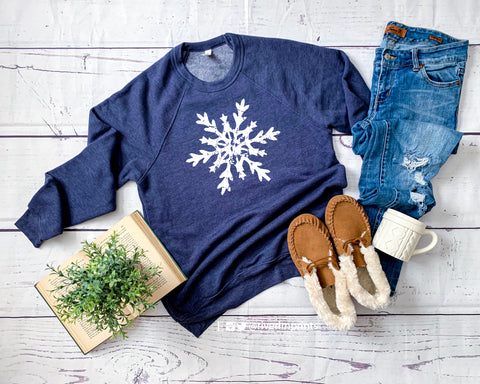 SNOWFLAKE Graphic Fleece Raglan Sweatshirt