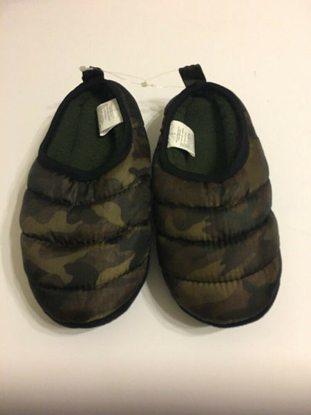 Old Navy Boys Slipper Shoes Size XL 3-4 Camo