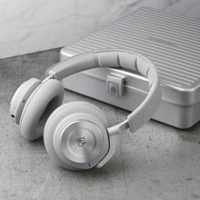 Load image into Gallery viewer, Bang & Olufsen Beoplay H9i Rimowa with Rimowa Case