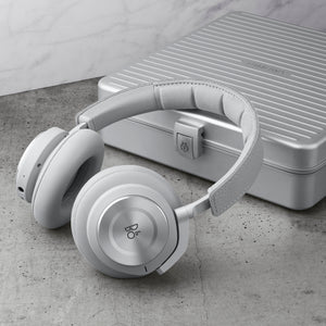 Bang & Olufsen Beoplay H9i Rimowa with Rimowa Case