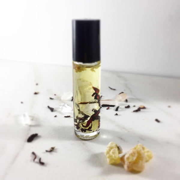 Essential Oil Blend with Crystals Frankincense and Palo Santo / Spirit Oil / Magic Oil Blend / Organic Meditation Blend / Spiritual Oil