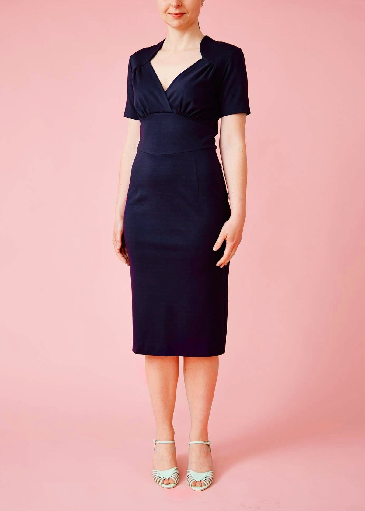 Very Cherry: Fairtrade pencildress med korte ærmer - navy