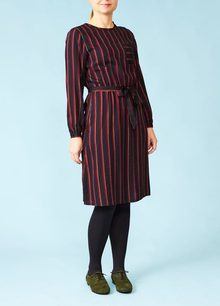 Very Cherry: Stribet kjole med lange ærmer - bordeaux/navy