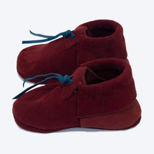 Load image into Gallery viewer, Maroon Suede Booties