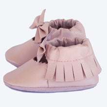 Load image into Gallery viewer, Pale Pink Bow Leather Moccasins