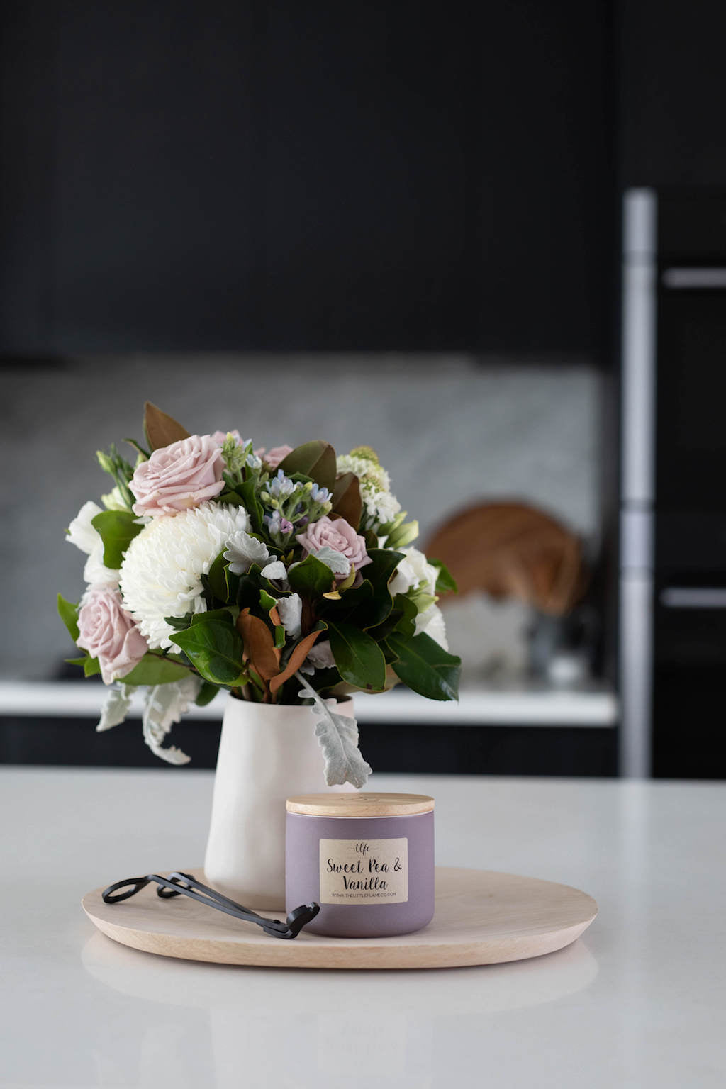 Sweet Pea and Vanilla Canister Candle