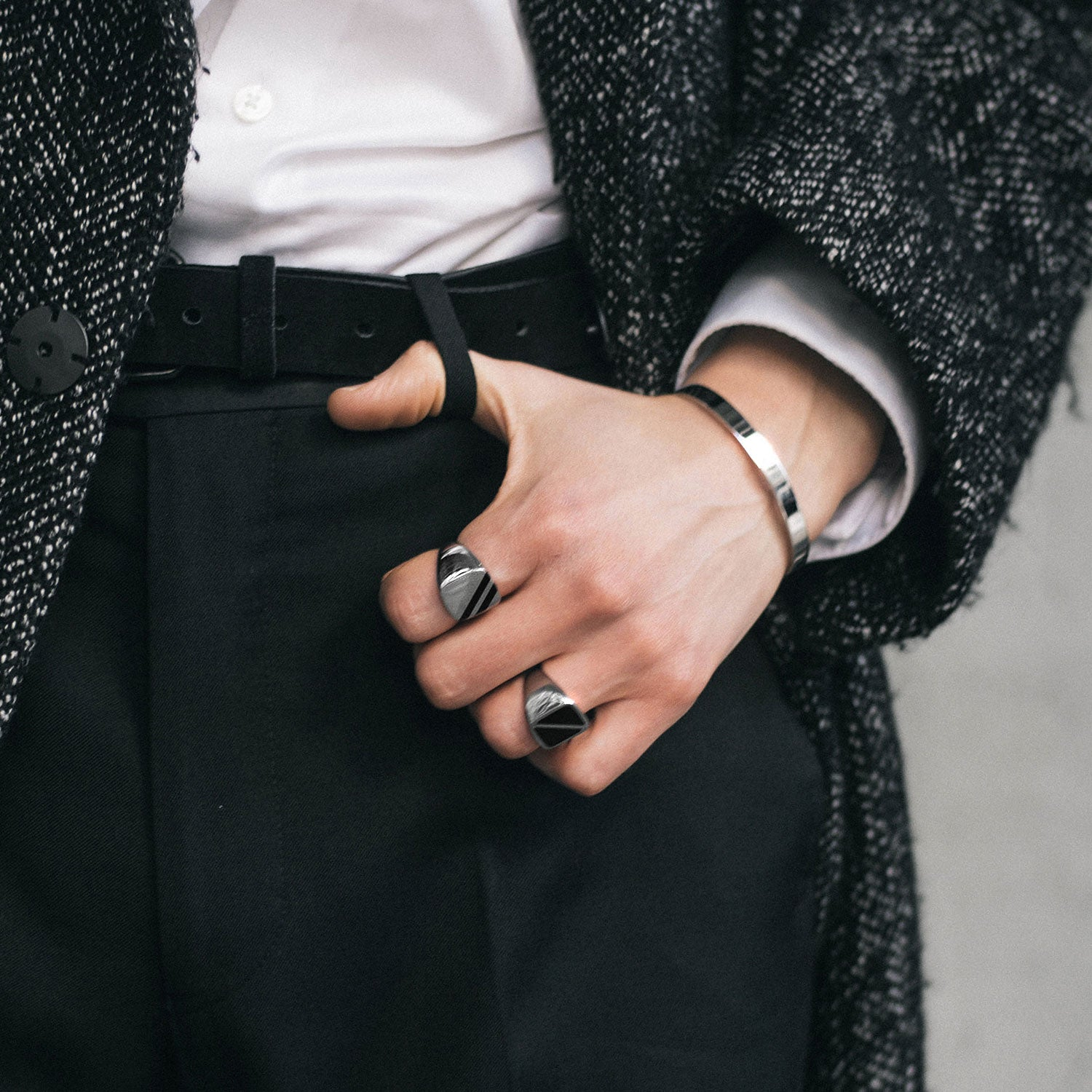 WEARING BRACELETS ISN'T AS FEMININE AS YOU THINK; HERE'S THE MASCULINE WAY TO DO IT