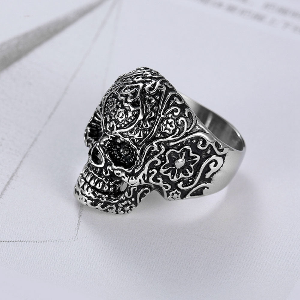 Designs of Biker Rings.  Skull Rings: Skull rings are one of the most archetypal designs of biker rings. There are varieties of ways this kind of ring can be tailored to make it a favorite for riders. The design of the skulls comes often in a simple way with sparkling fashion in such a way that can be decorated to the taste of the rider. Skull ring is a symbolism for mockery of the danger connected with biking itself. It also symbolizes the hardiness of the biker. Examples include Gigantic Skull biker ring, Classic Skull ring, Tough Skull ring, Skull Spin ring, etc.
