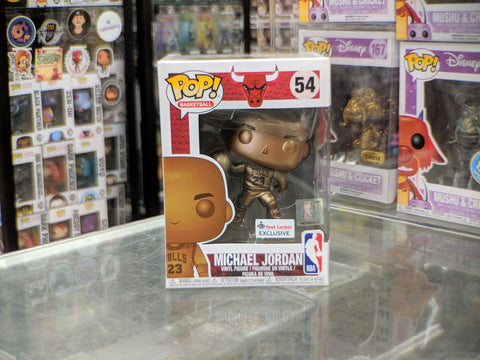 Funko POP! NBA: Chicago Bulls- Michael Jordan Footlocker Exclusive *DENTED LOWER LEFT CORNER* (Buy.Sell.Trade)