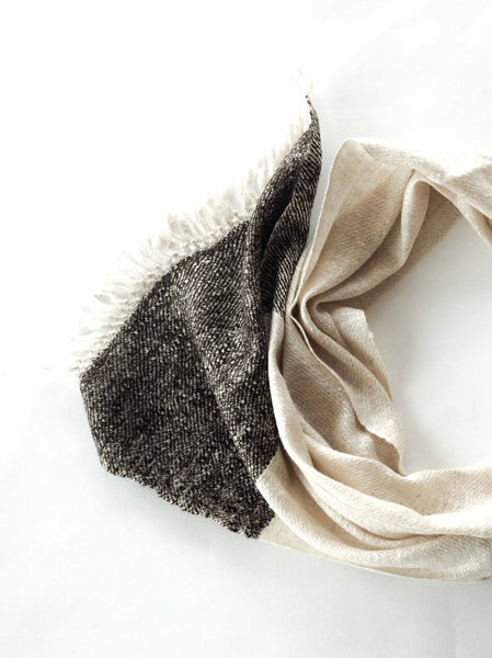 Autumn and winter Scarf made from organic peace silk, yak wool and Himalayan lambswool on a handloom in India. A beautiful blend of wool and eri silk, handspun and handwoven in Himachal Pradesh, India. Organic and natural material, 70% eri silk and 20% lambswool and 10% yak wool. Slow and ethically made.