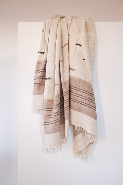 scarf, eri silk, sustainable and natural fibers, organic, ethical fashion, slow faschion,natural dyes, handspun, handspunyarn