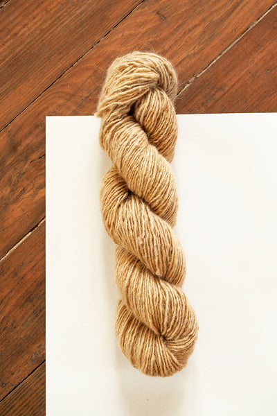 Handspun Sheepwool yarn from the Himalayas naturally dyed with cutch. Organic fine wool from the Changthang Plateau in the Himalayas, Ladakh.