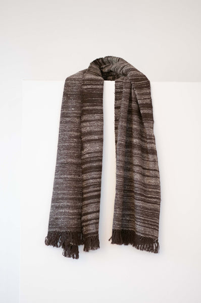 Scarf made from organic Himalayan lambswool on a handloom in India. A beautiful soft lambswool handspun and handwoven in Himachal Pradesh, India. Organic and natural material, 100% lambswool. Slow and ethically made.