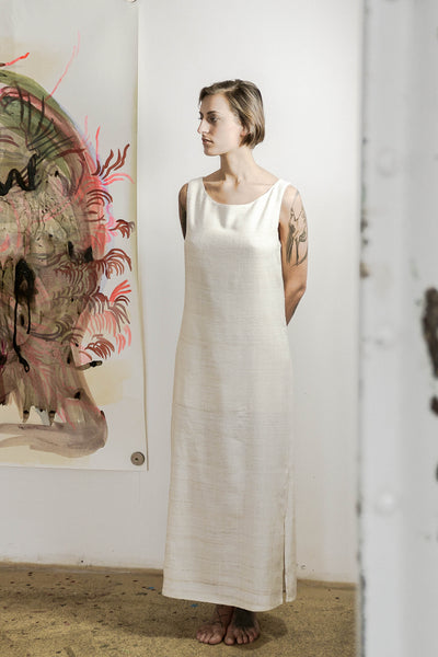 Dress made of soft non-violent eri silk with sustainable and natural fibers. Organic and natural dyes (lac) are used. Handspun.