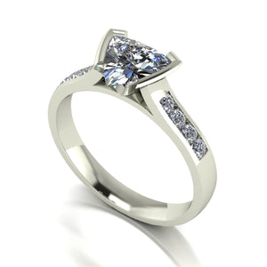 1.12ct (1x 7.0mm Trill & 8x 1.6mm Rnd) Trillion & Round Moissanite Set Shoulder Single Stone Ring