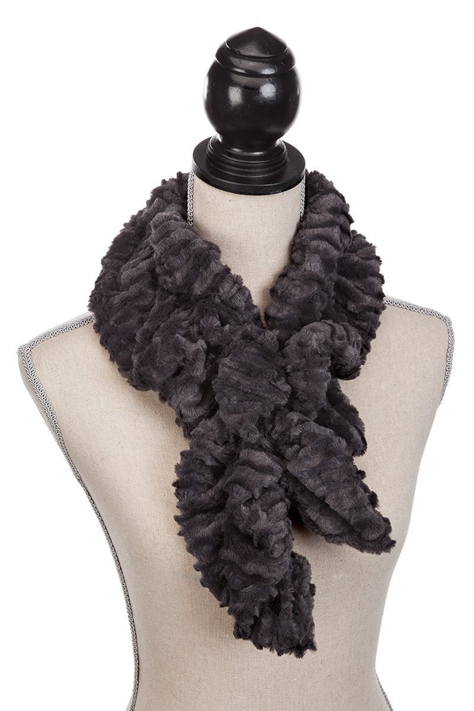 sheldon - black faux fur scarf