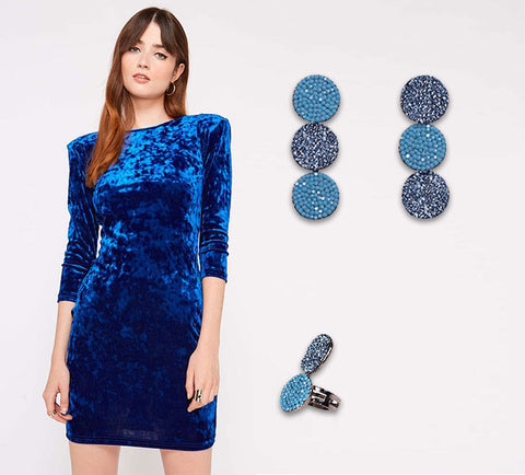 The perfect xmas outfit blue velvet dress and Swarovski jewelry | blingtalks