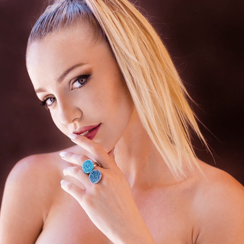 Fashion Ring made of Swarovski Crystals, Rhodium Plated named Ocean Reflections - photo of jewelry with model