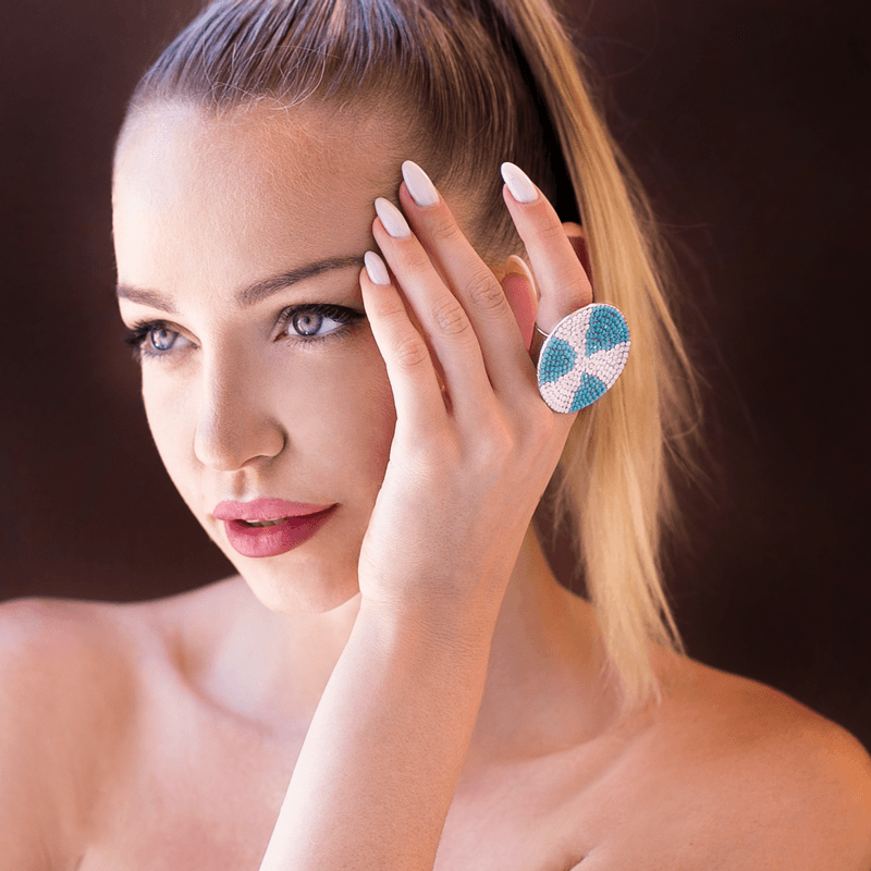 Fashion Ring made of Swarovski Crystals, Rhodium Plated named Ocean Riptide - photo of jewelry with model