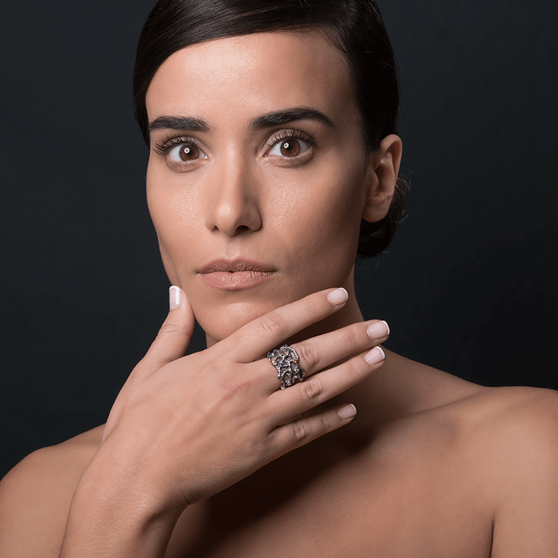 Fashion Ring made of Oxidised Sterling Silver named GeoGems - photo of jewelry with model