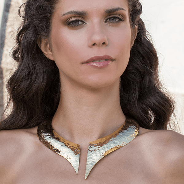 Collar Necklace made of Yellow Gold Plated Sterling Silver named Hera - photo of jewelry with model
