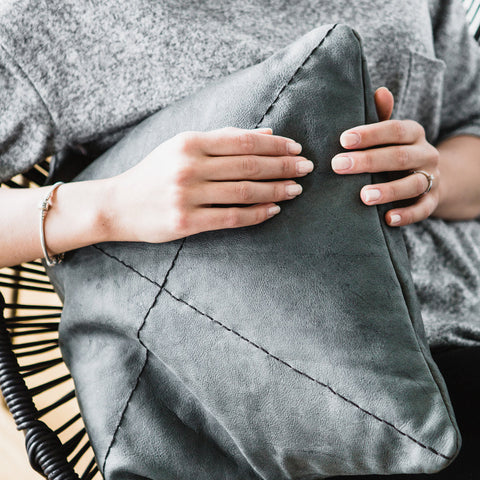 SAFARI PILLOW - GREY