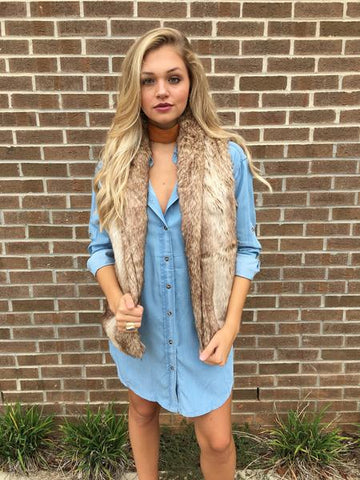 Fall layering ideas - faux fur vest