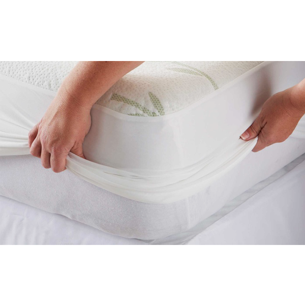 Hypoallergenic Bamboo Blend Water Resistant Mattress Protector 4