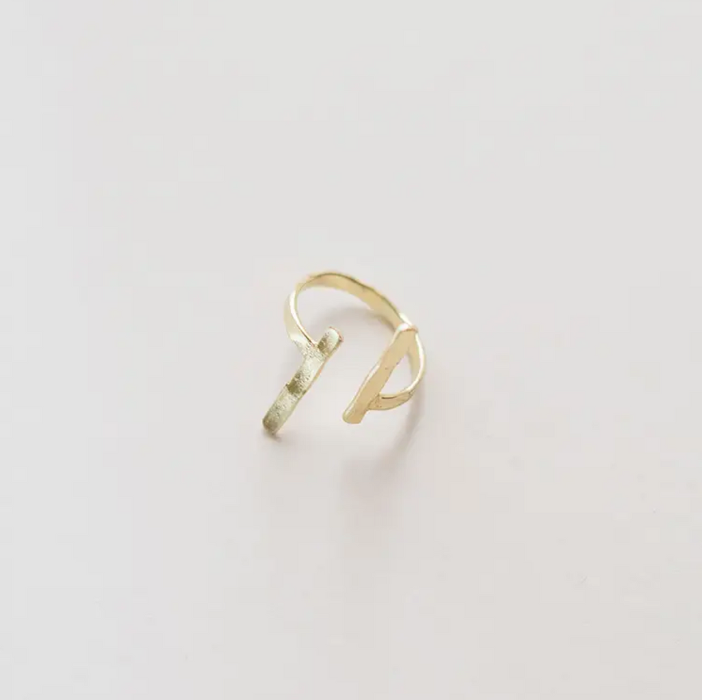 Hammered Couplet Ring Gold