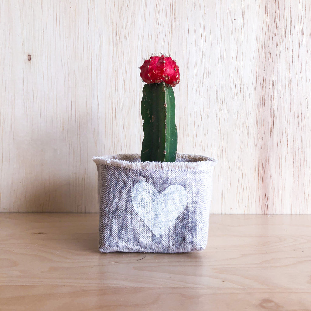 White Heart Linen Planter - 3""
