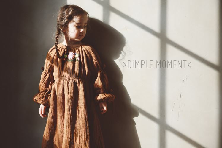DIMPLE MOMENT - Daisy Embroidered Dress