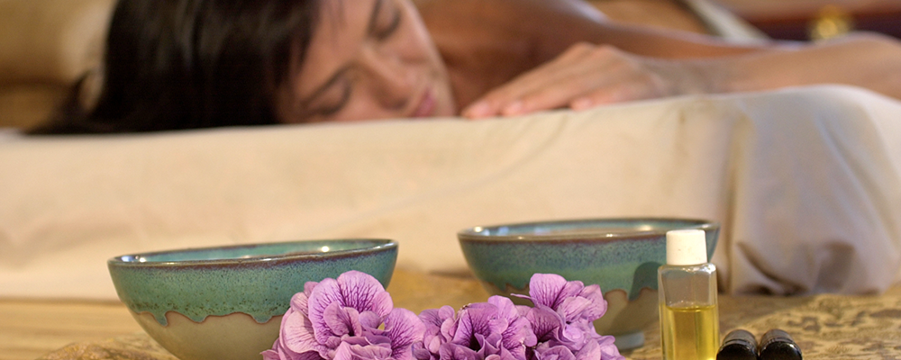 How Aromatherapy May Help Ease You Off to Sleep