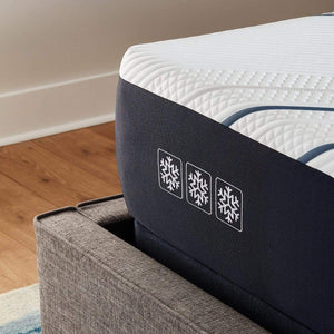 Serta iComfort CF4000 Firm Mattress Fabric Corner Detail