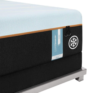 TEMPUR-LUXEBREEZE° FIRM MATTRESS CORNER DETAIL