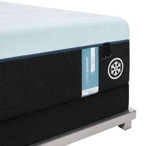 TEMPUR-LUXEBREEZE° SOFT MATTRESS CORNER DETAIL
