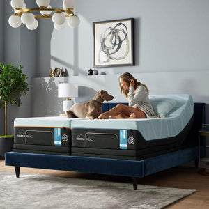 TEMPUR-LUXEBREEZE° SOFT MATTRESS ON AN ADJUSTABLE BASE ROOM SHOT