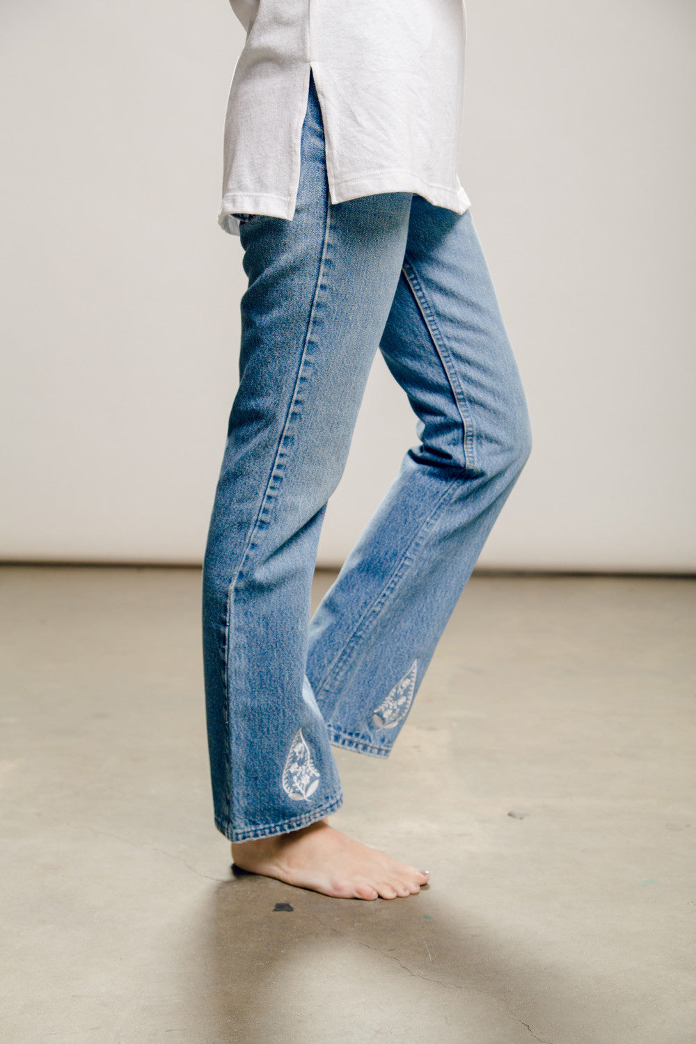 Women's Vintage Denim Levis Bottom Pant with Embroidery