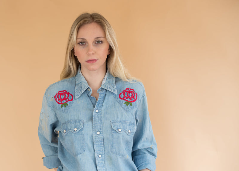 Western Rose Pearl Snap - Vintage Women's Chambray Embroidered Shirt