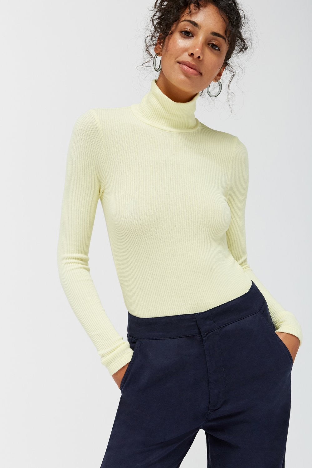 LACAUSA buttermilk ribbed turtleneck sweater