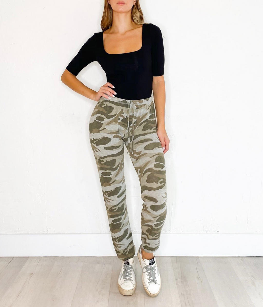 Ada Army Sweatpants in Camo