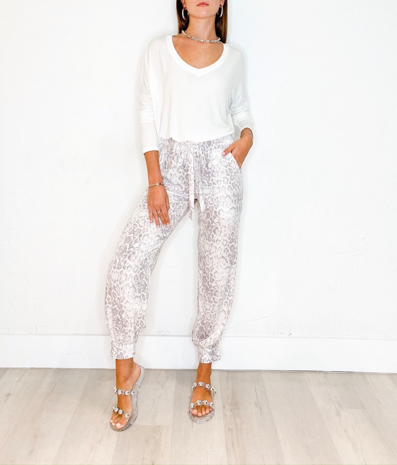 Kath Pants in Neutral Snake