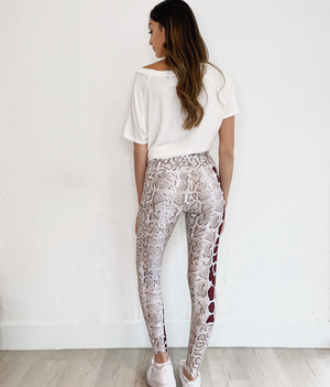 High Waist Leggings in Snake Print