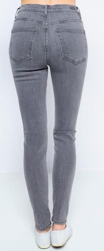 gray distressed // high rise - Shop trendy womenswear styles on www.downerss.com