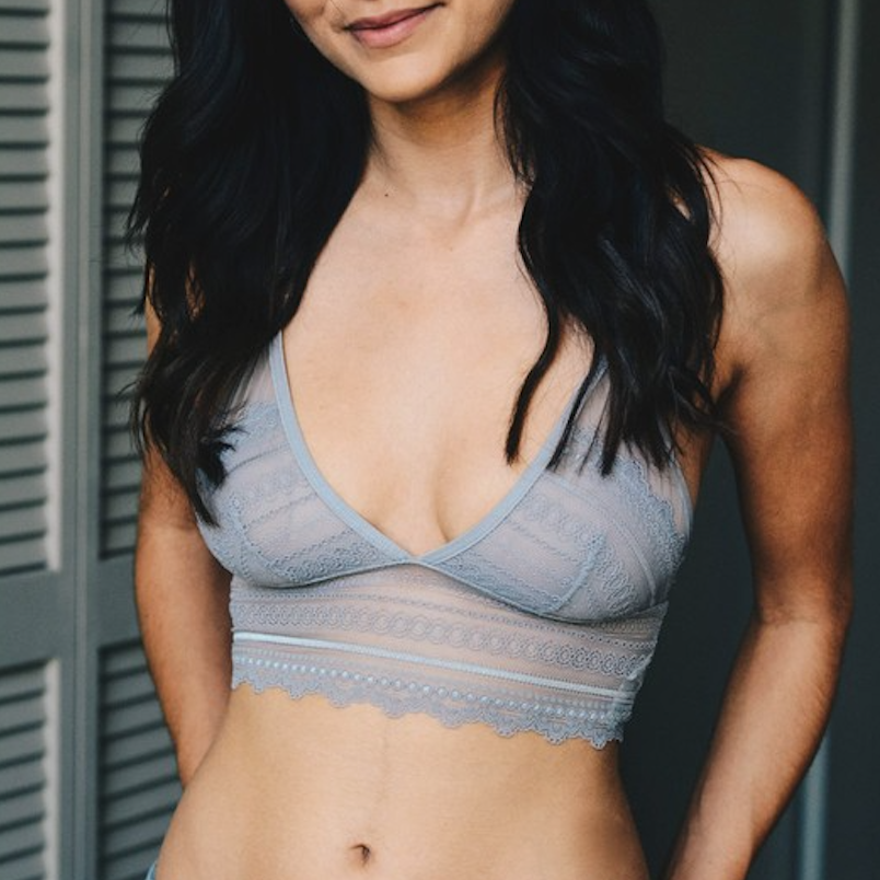 gray / blue lace keyhole bralette - Shop trendy womenswear styles on www.downerss.com