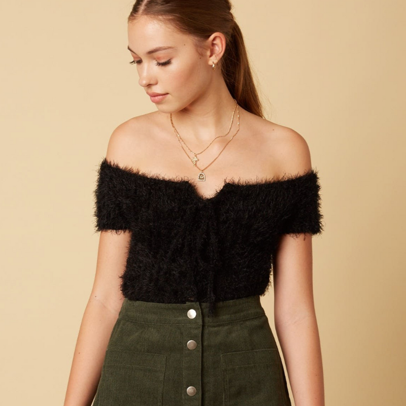 fuzzy crop - Shop trendy womenswear styles on www.downerss.com
