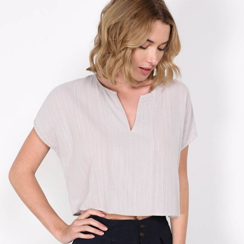 cropped boxy blouse - Shop trendy womenswear styles on www.downerss.com