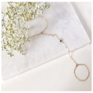 Delicate Hand Chain - New Vie Shop