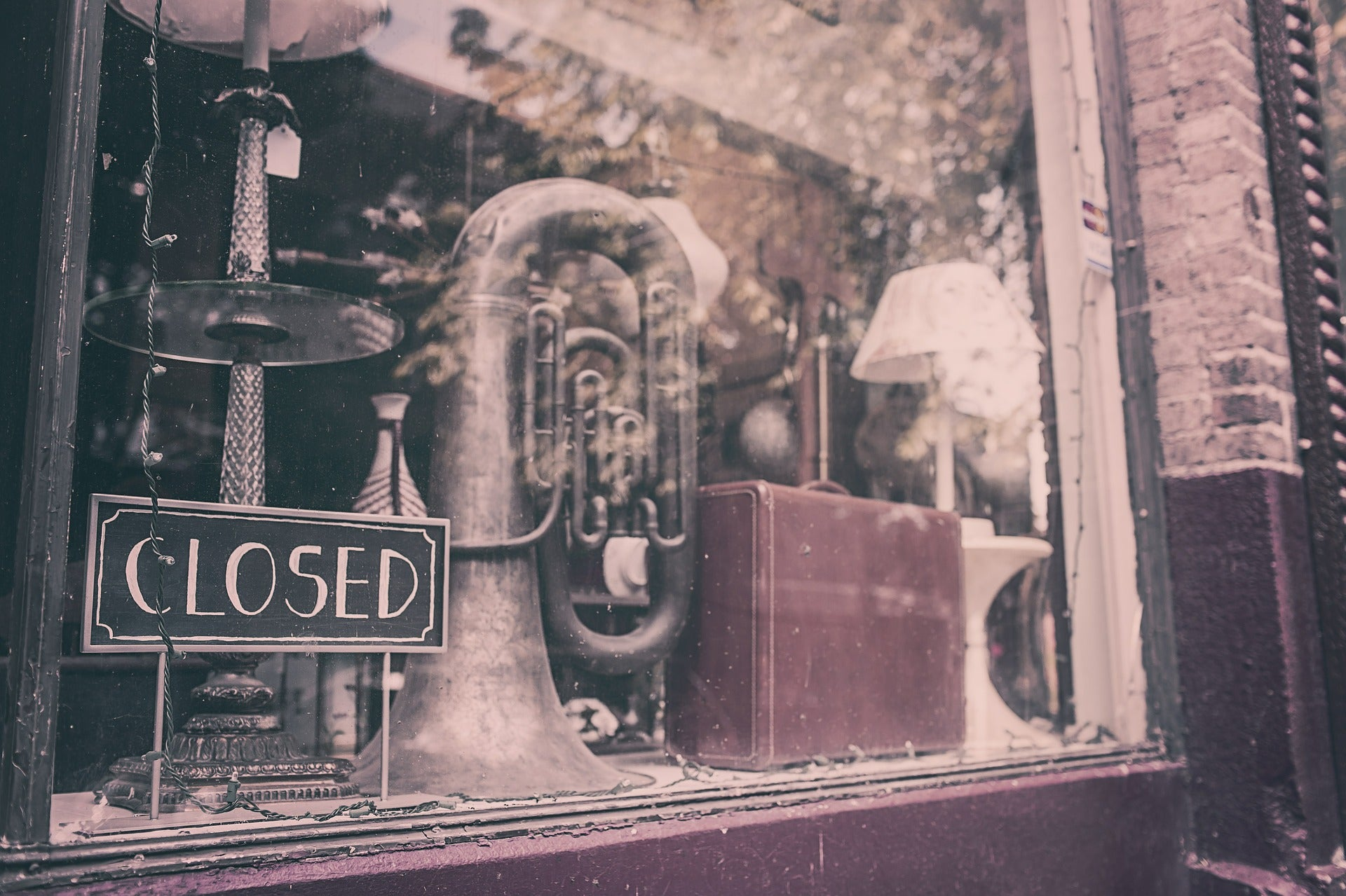 Closed up storefront