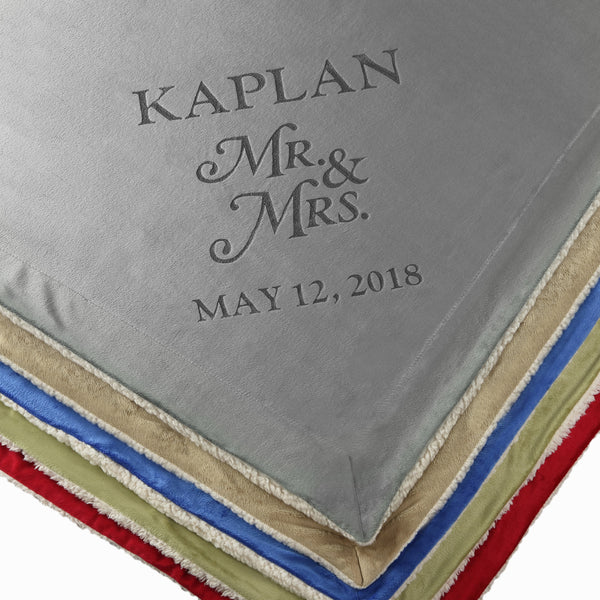 Personalized Unique Wedding Couple Gifts - Anniversary, Engagement Gift Blanket (Mr & Mrs)